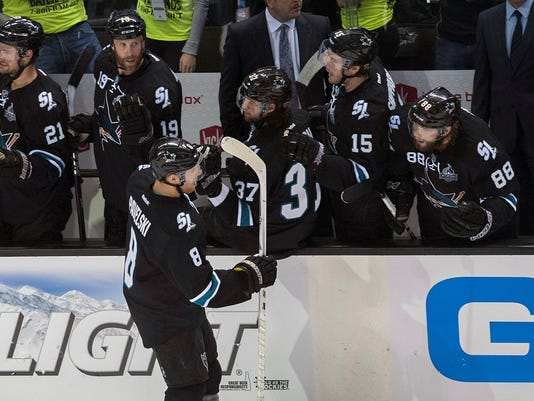 sharks-canucks-050513
