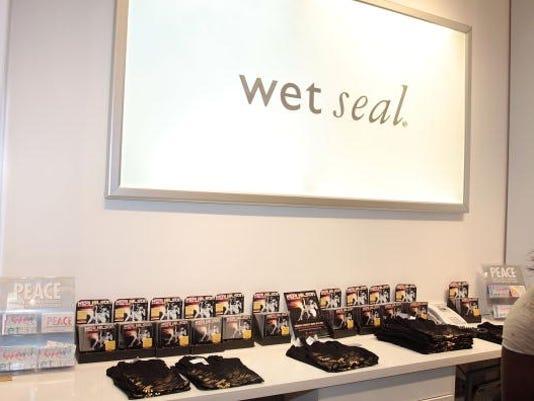 wet seal discrimination lawsuit