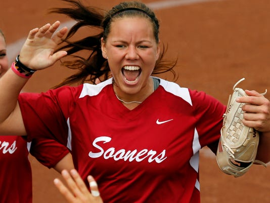 2013-05-25-keilani-ricketts-oklahoma-softball