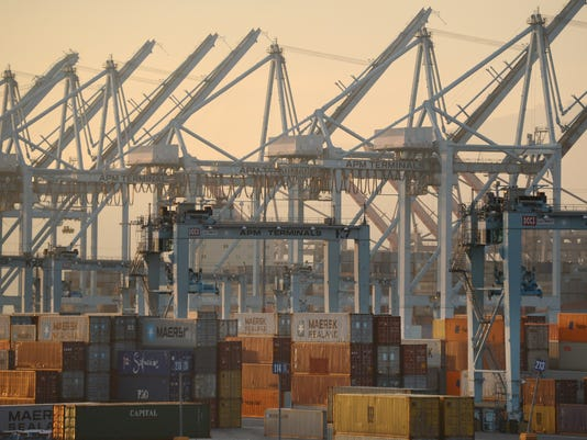 Imports_TradeDeficit