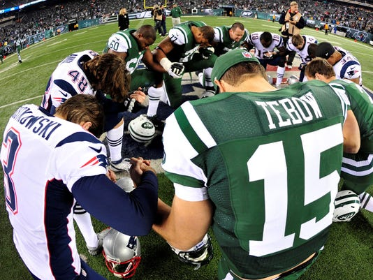 2013-06-10-tebow-pats