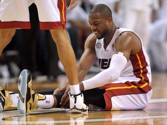 2013/20/06 Dwyane Wade knees