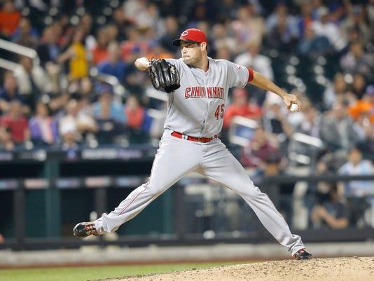 Sean Marshall pitching
