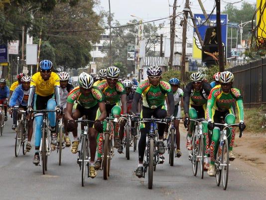 2013-7-21-kenya-cyclists