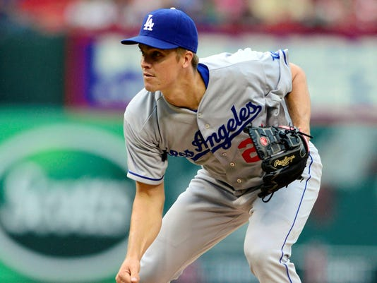 Dodgers win 15th in a row on road, 3-2 over Cardinals