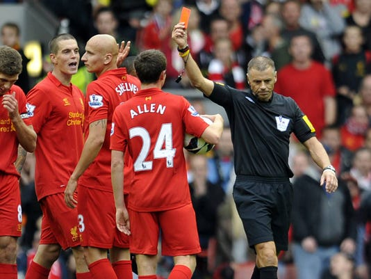2012_09_23_liverpool_red_card_manchester_united