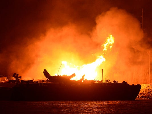 barge_fire