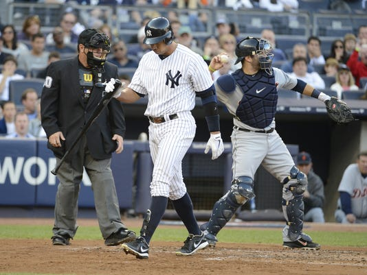 2012-10-19-yankees-booing