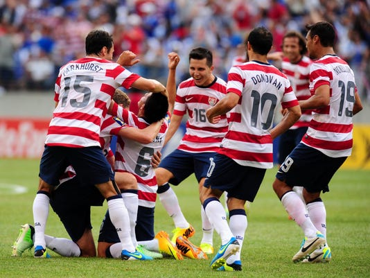2013-7-21-usa-el-salvador-gold-cup