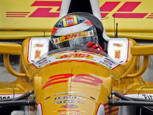 Izod indycar series ryan hunter reay crashes in fontana for Motor vehicle crashes cost american