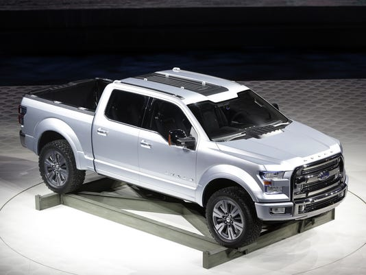 Ford drops a new F150 pickup on Detroit