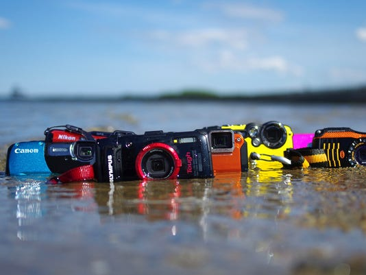 Reviewed.com: Close-ups of waterproof cameras