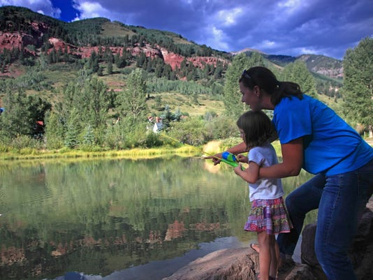 10 great places to bond on family vacations for Places to go fishing