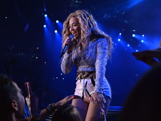 Beyonce Tells Fan Put That Damn Camera Down
