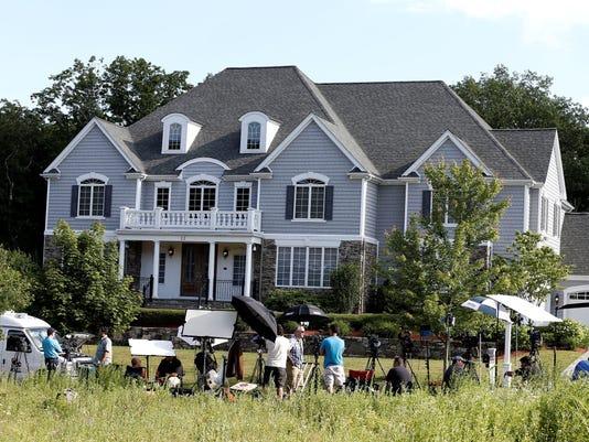 Houses Still In Demand In Aaron Hernandez 39 S Neighborhood