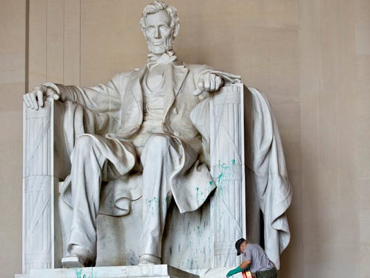 Vandalism Suspect Queried On Lincoln Memorial Damage
