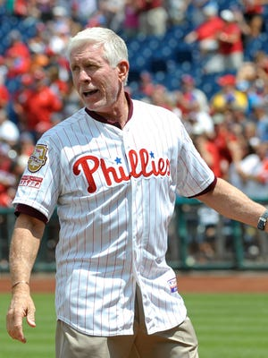 Mike Schmidt made controversial remarks during Sunday's Phillies game.