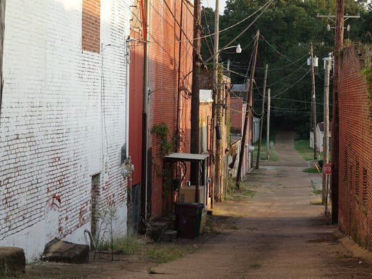 The alley behind Tardy Furniture in Winona. Prosecutors