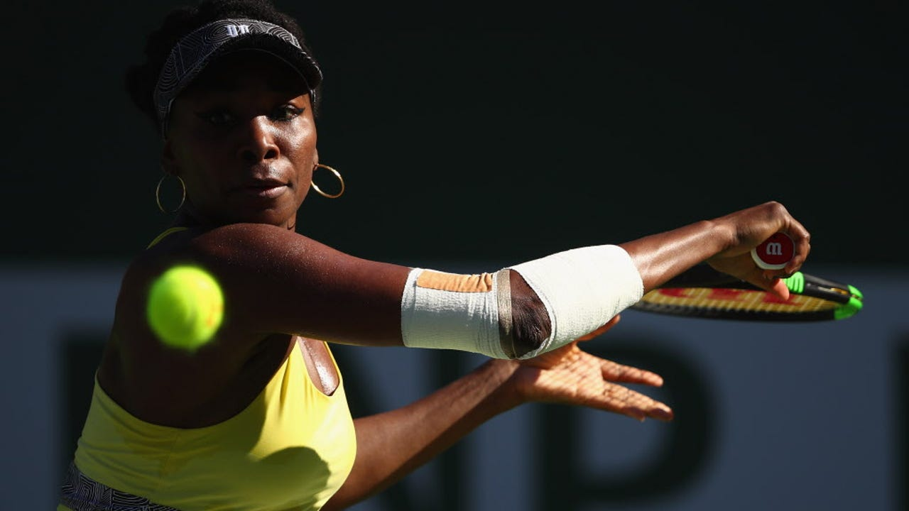 Recapping Venus Williams' win and the rest of Monday's action from the world of tennis.