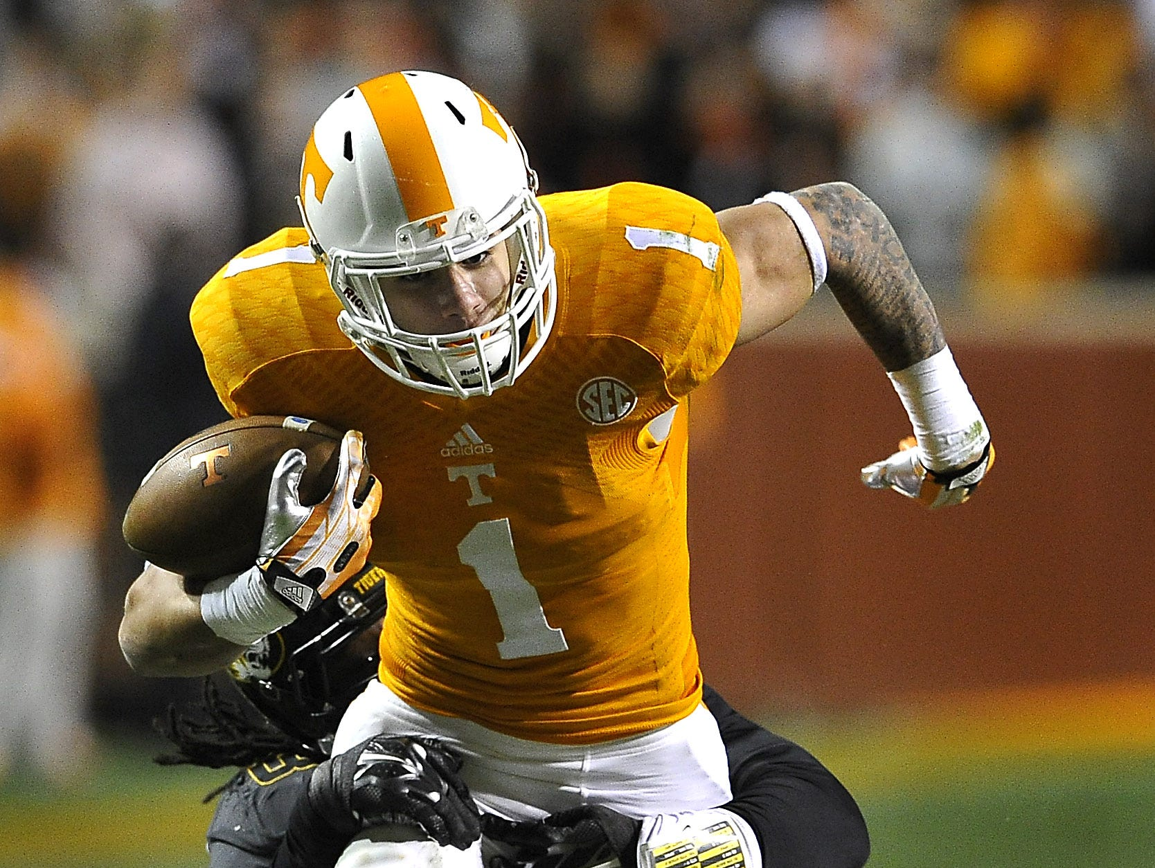 Jalen Hurd moves the ball in a 2014 game at Neyland Stadium.