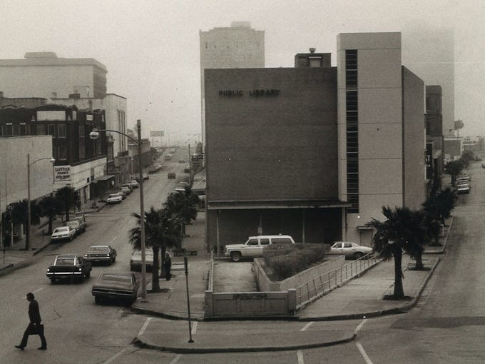 Early morning fog envelopes downtown Feb. 28, 1978.