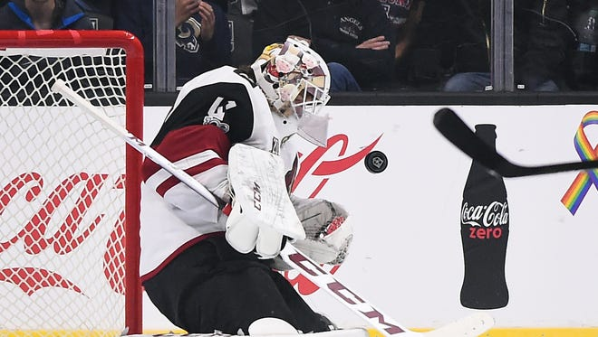Arizona Coyotes goalie Mike Smith (41) makes a save in the first period of the game against the Los Angeles Kings at Staples Center.