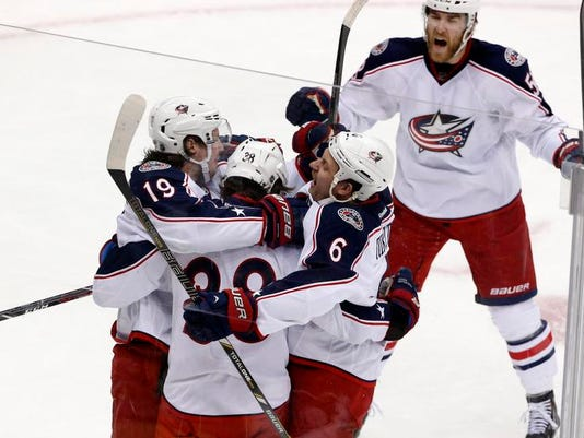 MNCO 0502 Blue Jackets gain national respect.jpg