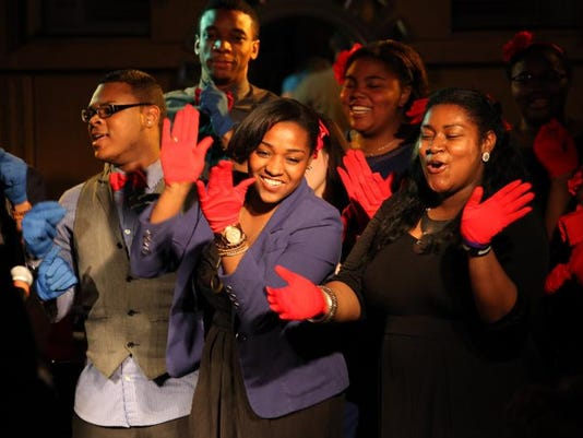 -Harlem Teens Choir 1.jpeg_20140214.jpg