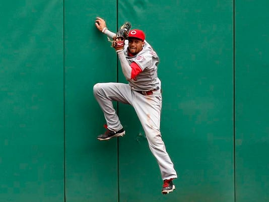 MNCO 0624 Is Reds Billy Hamilton MLB's best CF.jpg