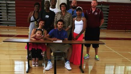 Western Hills 2015 point guard Dejuan Sherman signed with Cloud County Community College.