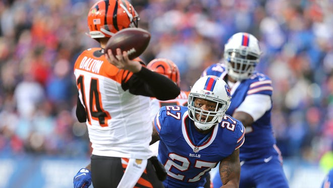 Bills Duke Williams comes free on a blitz but Bengals quarterback Andy Dalton was able to get off the pass.