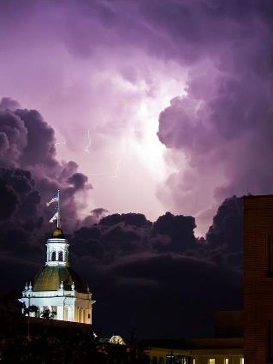 636554278950392433-capitol-lightning.jpg