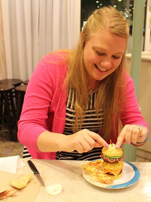 Crafter and columnist Jyl Hall demonstrates that with barbecue season knocking on the front door, hamburger-shaped cupcakes can be the perfect afternoon project.