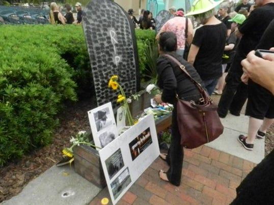 Bear memorial