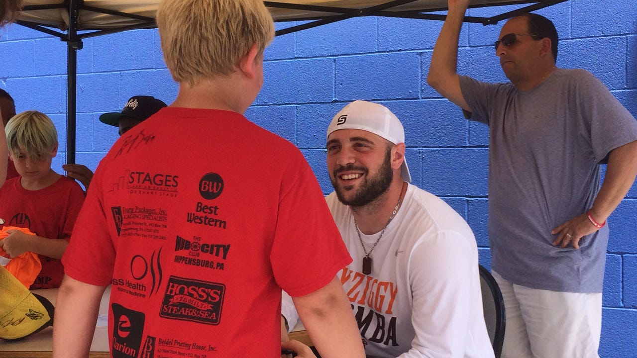 VIDEO: Ron's Rising Stars Football Camp welcomes NFL pros