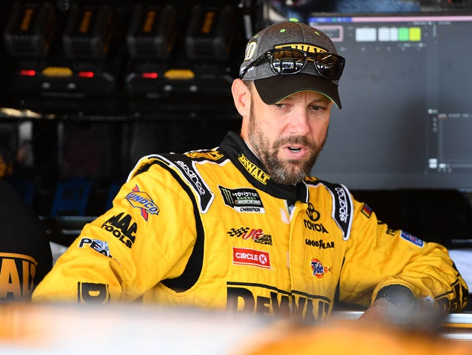 Kenseth spends time in the Chicagoland Speedway garage