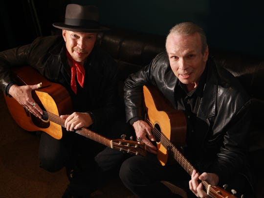 Dave, left, and Phil Alvin