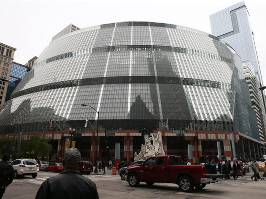 The exterior of the Thompson center in Chicago.