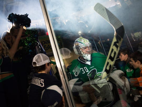 Florida Everblades goalie, Anthony Peters, makes his