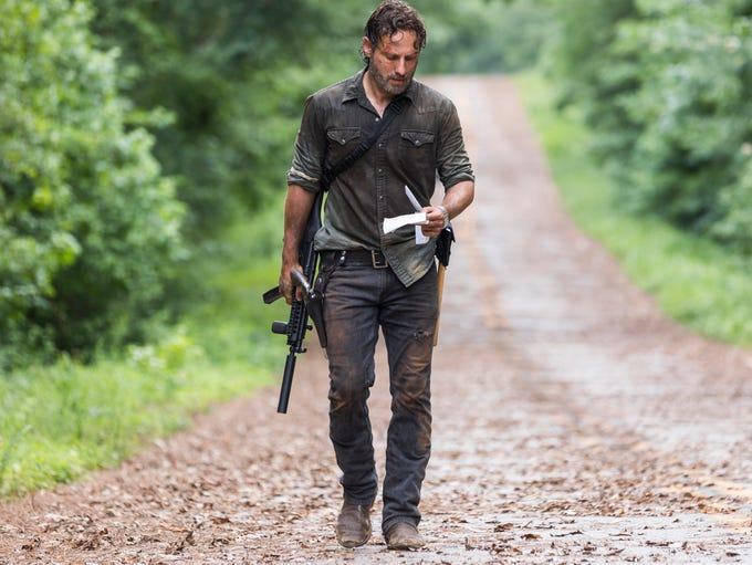 "'The Walking Dead' Season 8's ""all out war"" continued"