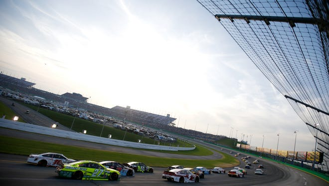 General view of the 2015 Quaker State 400 at Kentucky Speedway.