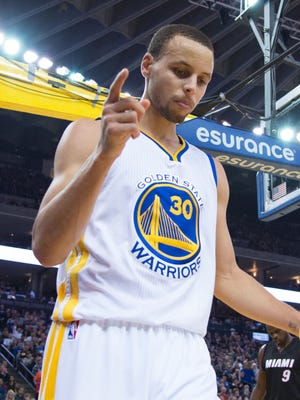 Stephen Curry and the Warriors improved to 17-1 at home.