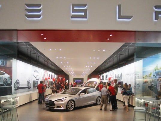 Tesla-gallery-in-Portland.JPG