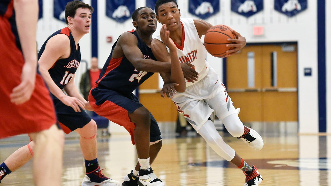 York Country Day junior Jalen Gorham is averaging 19.1 points per game for the Greyhounds this season. The 6-foot-6 forward has led the Greyhounds to the District 3 Class 1A semifinals.