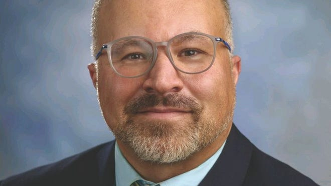 Dr. Carlos Pavão, who has more than 20 years of public health practitioner experience both at the local and national levels, is writing a book on health disparities experienced by Portuguese-speaking populations in the United States.