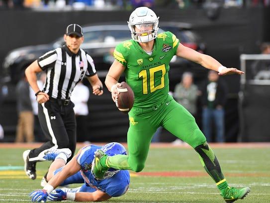 Dec 16, 2017; Las Vegas, NV, USA; Oregon Ducks quarterback