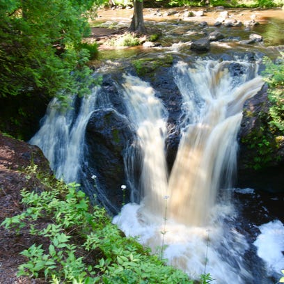 12 Wisconsin waterfalls to explore in the spring