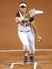 ASU's Giselle Juarez (45) pitches against South Carolina