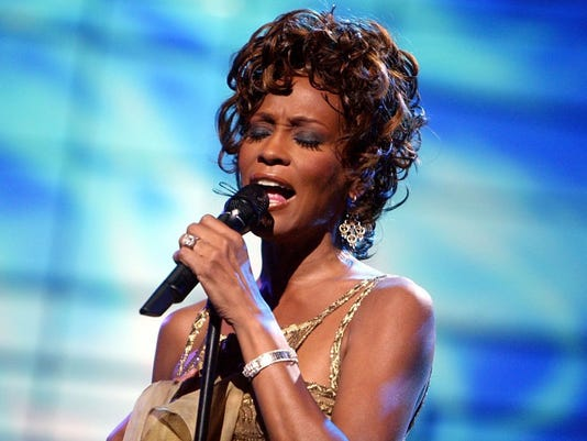 whitney-houston-kevin-winter-getty-images-e1516820628830.jpg