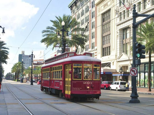 street-car-new-orleans-louisiana-e1463417552826.jpg